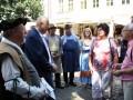 Bürgermeister von Prag (2. v. l.) empfängt Salzgäste