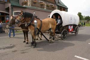 Ankunft des Fuhrwerkes in Lesna